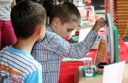 Știință și experimente inedite pentru copii și tineri începând de mâine, la Râșnov
