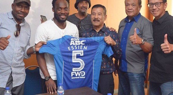 Essien with new club officials