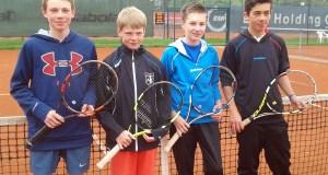 das Tennis-Team des laurentianums holte die Regierungsbezirksmeisterschaft. (Foto: laurentianum)