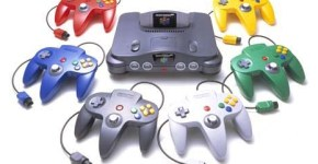 Nintendo_64_con_distintos_colores_de_controles