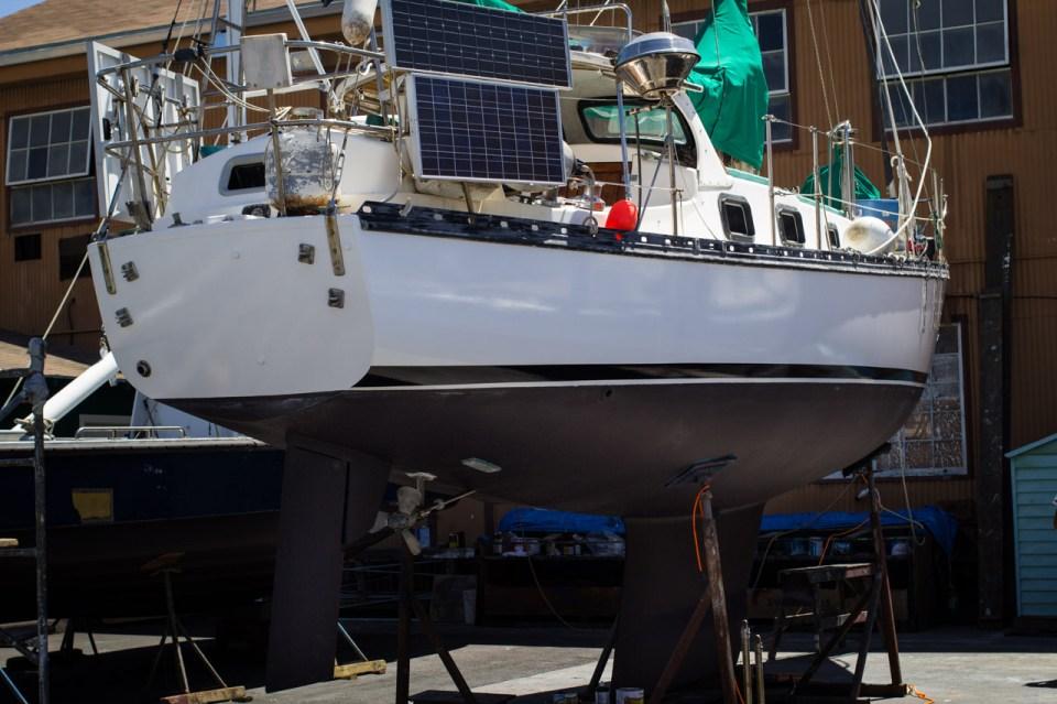 Cascade 36 hull
