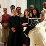 Carmen Maura y parte del elenco de La Virgen Negra