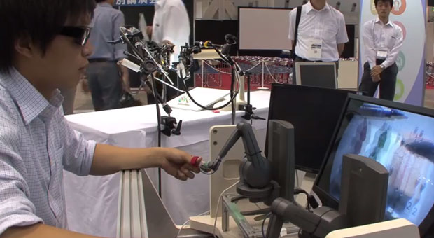 Tokyo's IBIS robot promises cheaper surgery, throws a shade at da Vinci video