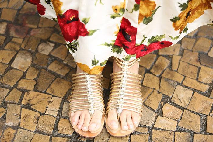 Sandália dourada: Miezko