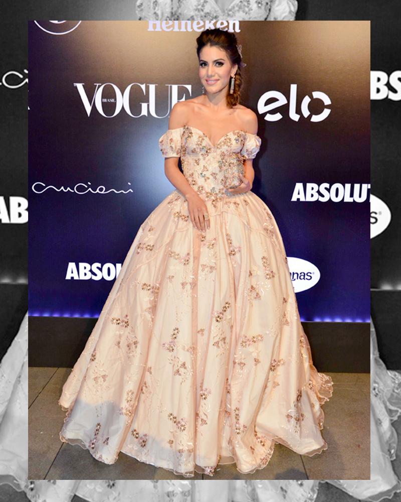 O Vestido da Camila parou a festa! Feito inspirado na rainha Sissi, também sob medida e exclusivo por Alfreda, foi um dos looks mais comentados da noite!