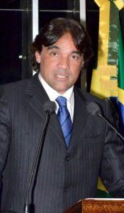 Lobão quer prioridade à vitimas de ataque na capital