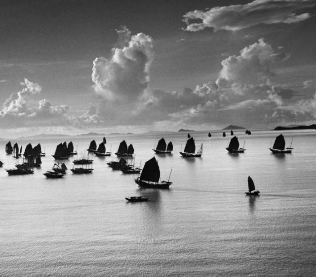 HONG-KONG. 1952. Harbour of Kowloon.