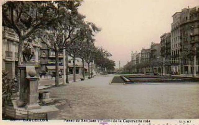 Al-fondo-a-la-izquierda-los-toldos-del-café-Cadí-y-del-cine-Chile.-Paseo-de-Sant-Joan.-Barcelona 1963