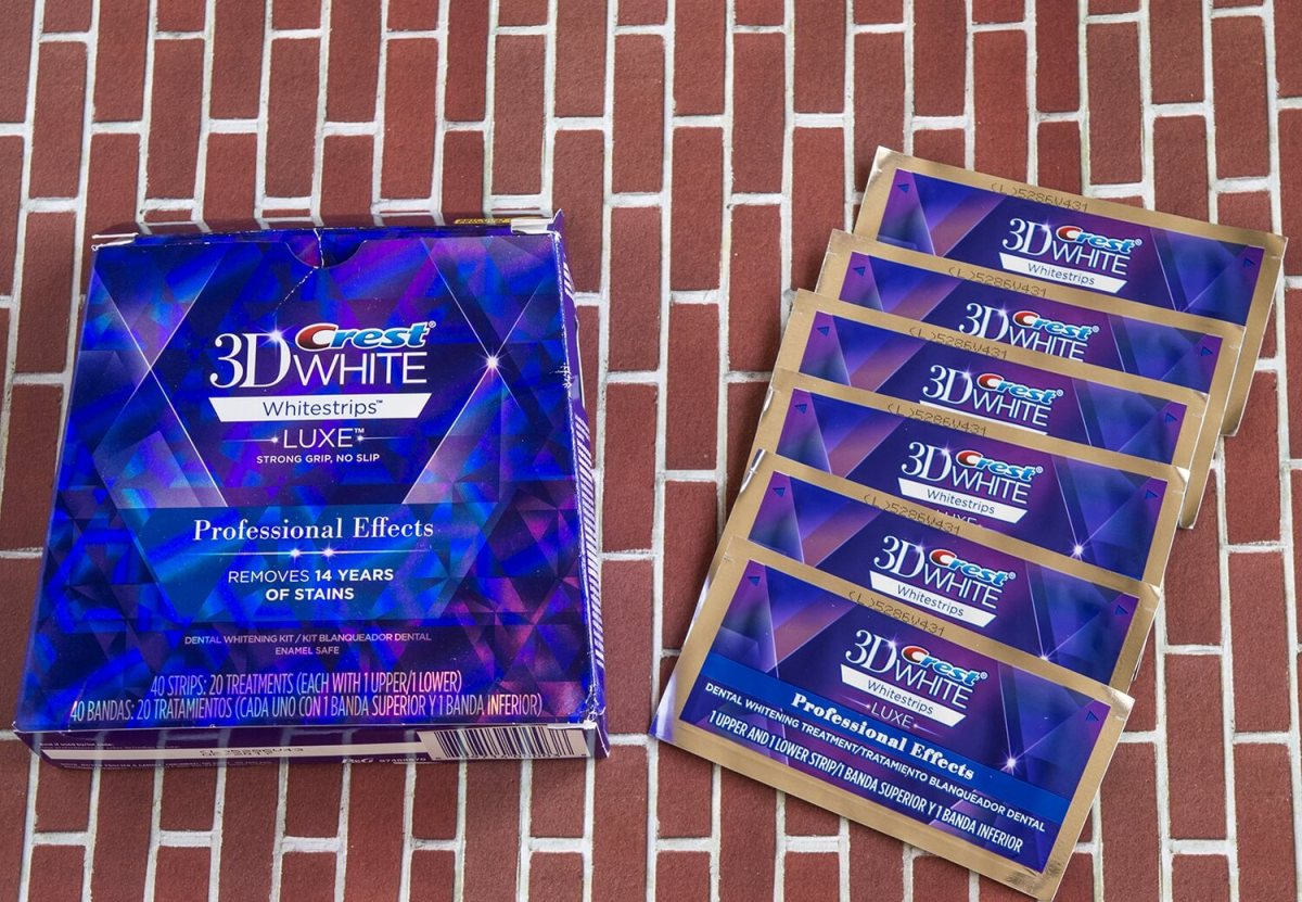Teeth whitening at home with 3D Crest White Whitestrips Professional Effects