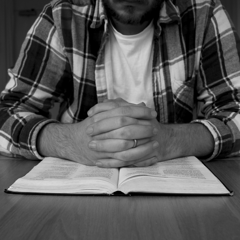 Praying with an open Bible