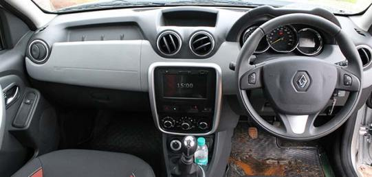 renault-duster-4x4-awd-dashboard