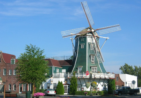 Dutch-Village-Mall