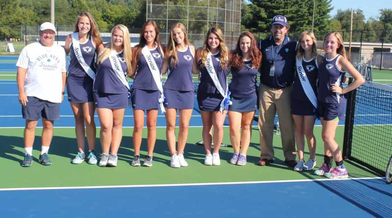 Hannah Dear- the BluePrints Entertainment Editor and Homeschooled senior- poses with her tennis teammates.