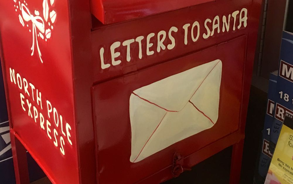 Nelson : Nellysford : Santa's Mailbox Ready For Letters To North Pole!