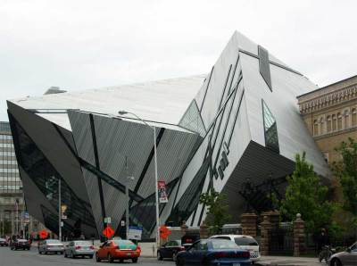 Images of the Michael Lee-Chin Crystal, Royal Ontario Museum by Daniel Libeskind, 2007.