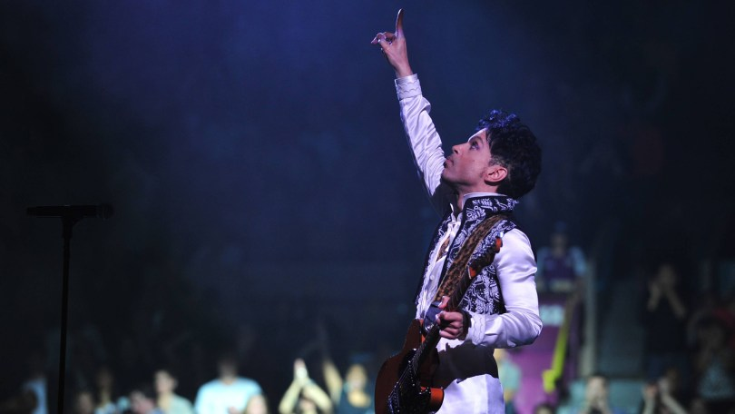 prince_pointing