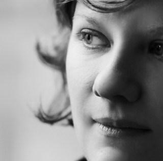 Émilie Plateau face à la ségrégation et à l'homophobie