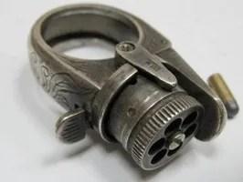 Curios-Et-Antiquites Bague-Pistolet-A-Broche-05
