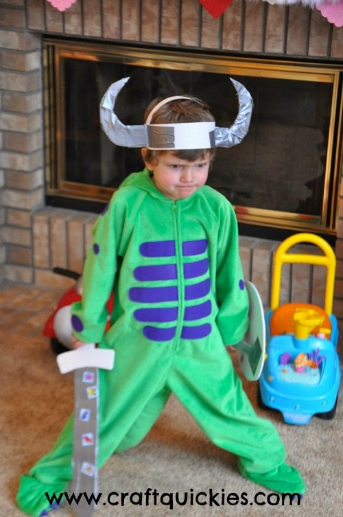 How to Train Your Dragon Party from Craft Quickies 5