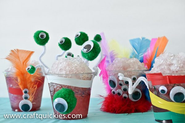 "These monster cups are so fun to make with kids, and they are perfect for healthy ""monster snow cones"" too!"
