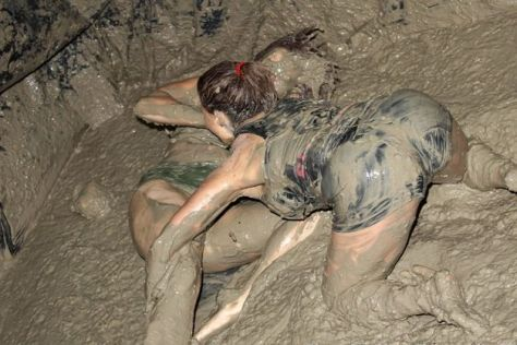 girls mud wrestling ideas for sploshing fans