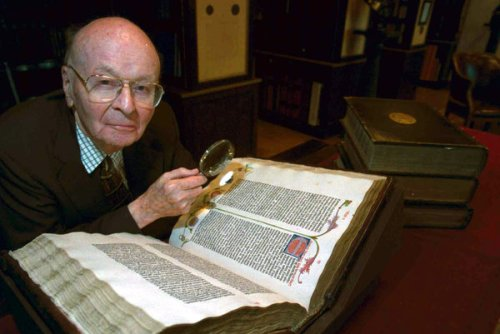 William H. Scheide, in 2002 at Princeton with the first four printed editions of the Bible. Credit Laura Pedrick