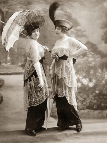Women's fashions 1913