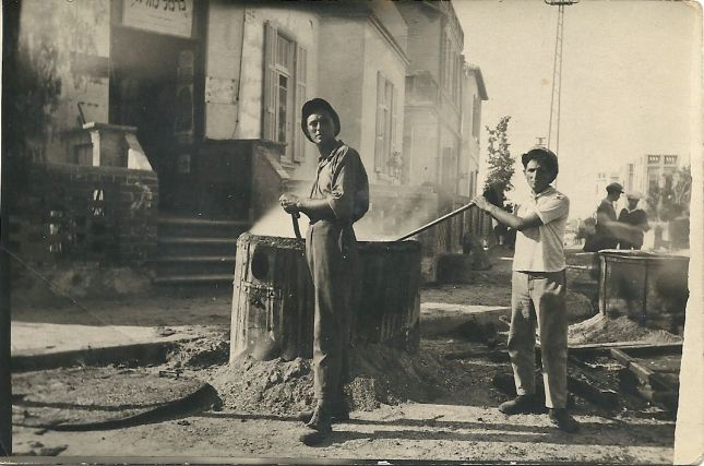 Construction workers, Tel Aviv, 1920s