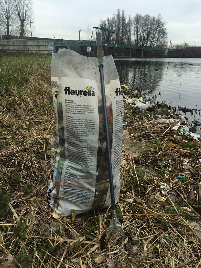 proyecto-recoger-basura-diariamente-pigswegetwhatpigsdeserve-holanda (4)