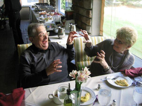 parejas-ancianas-divirtiendose (3)
