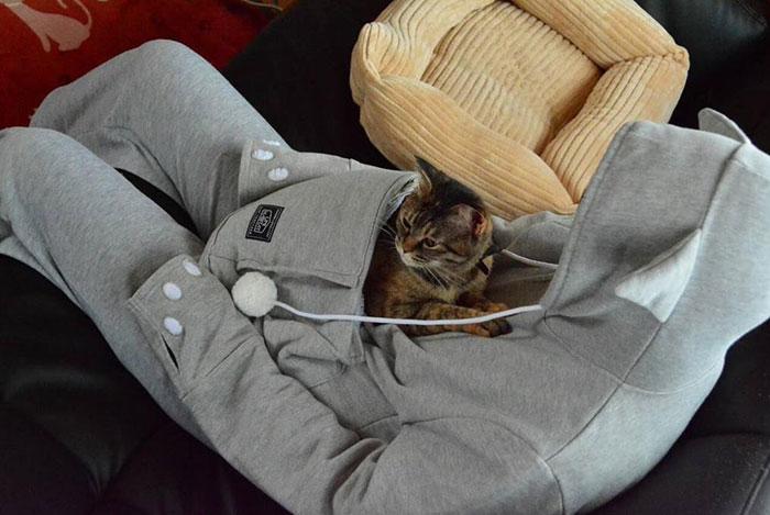 sudadera-bolsillo-gato-mewgaroo-unhabitat (4)