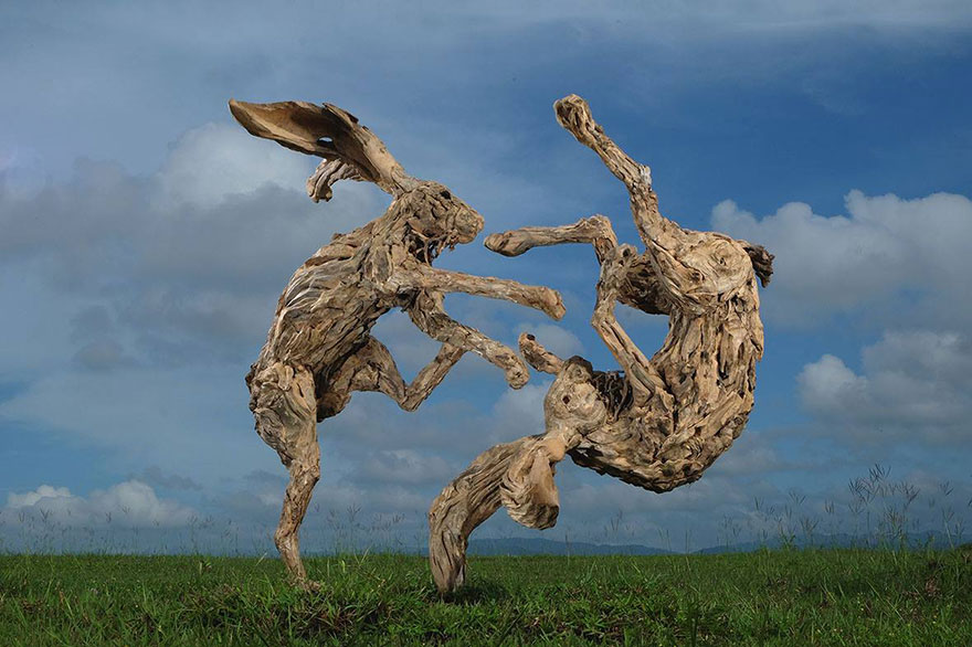 esculturas-criaturas-madera-deriva-james-doran-webb (7)