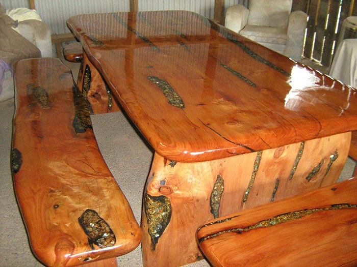 incrustaciones-transparentes-mesas-madera-wooden-by-design (4)