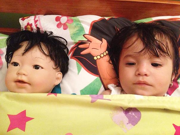 parecidos-razonables-bebes-munecos (13)