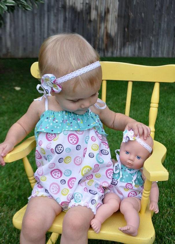 parecidos-razonables-bebes-munecos (9)