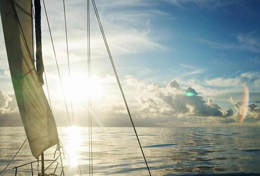 pareja-viajes-mundo-barco-gato-matt-jessica-johnson (17)