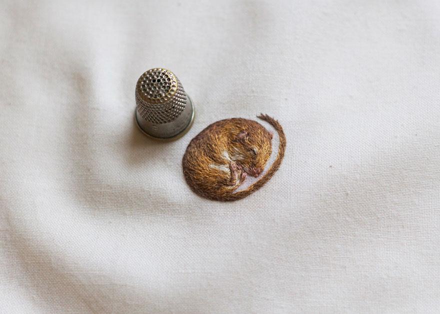 animales-bordados-diminutos-chloe-giordano (9)