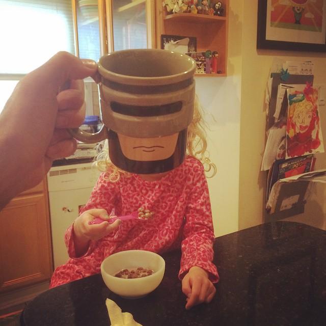 hijos-superheroes-tazas-desayuno-lance-curran (3)