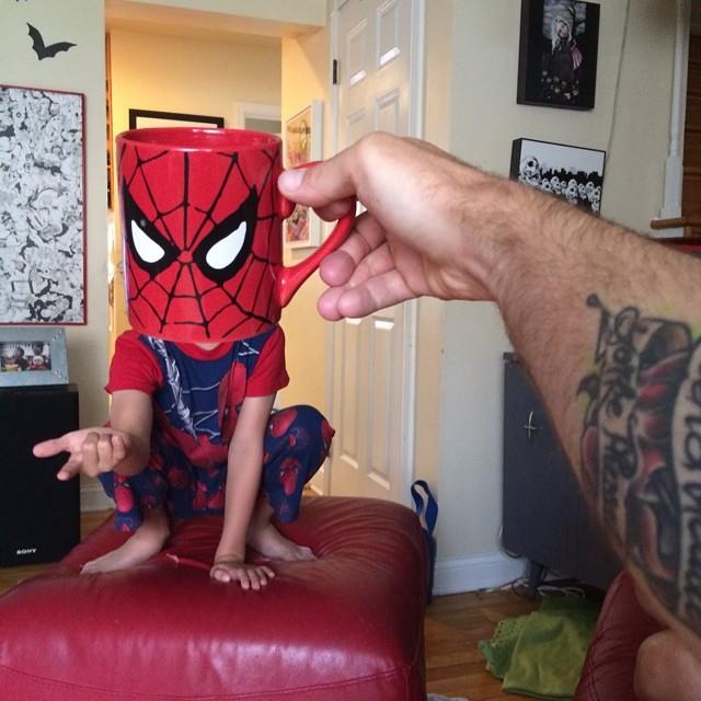 hijos-superheroes-tazas-desayuno-lance-curran (6)