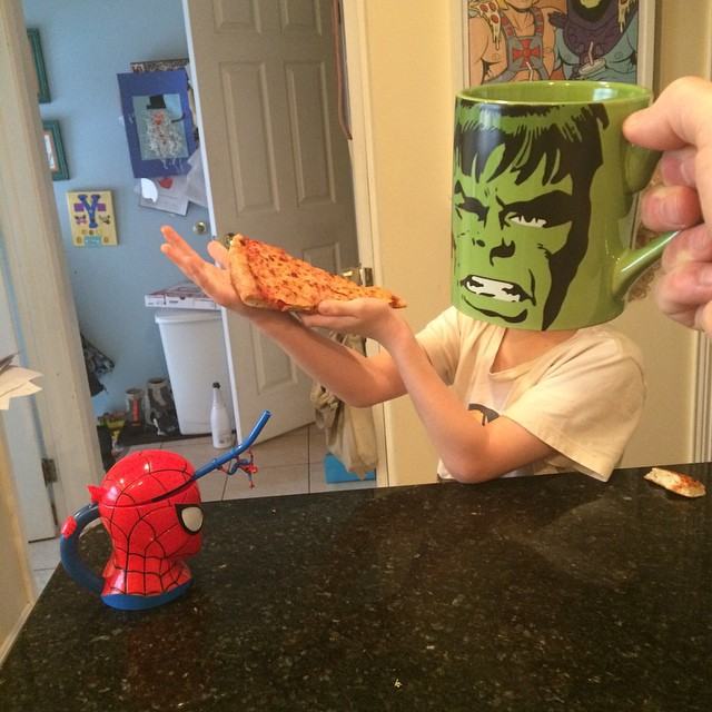 hijos-superheroes-tazas-desayuno-lance-curran (7)