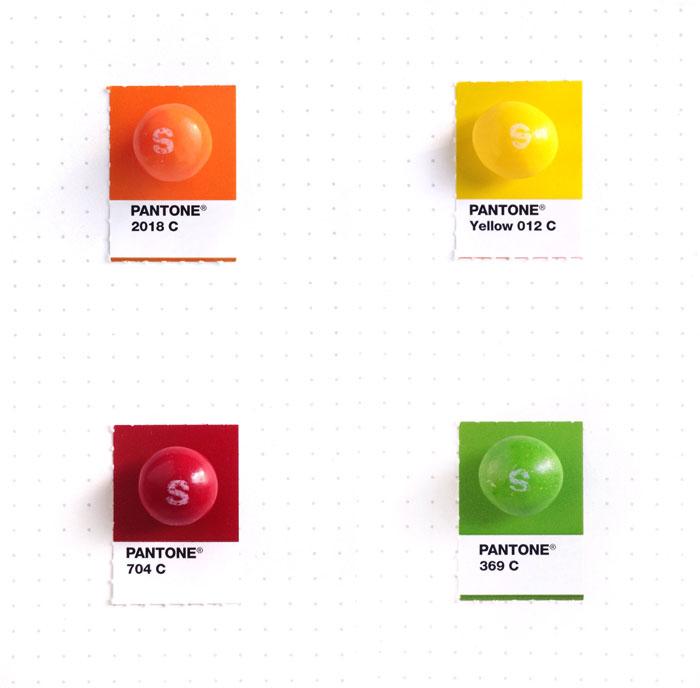 parejas-objetos-cotidianos-muestras-color-pantone-pms-inka-mathews (20)