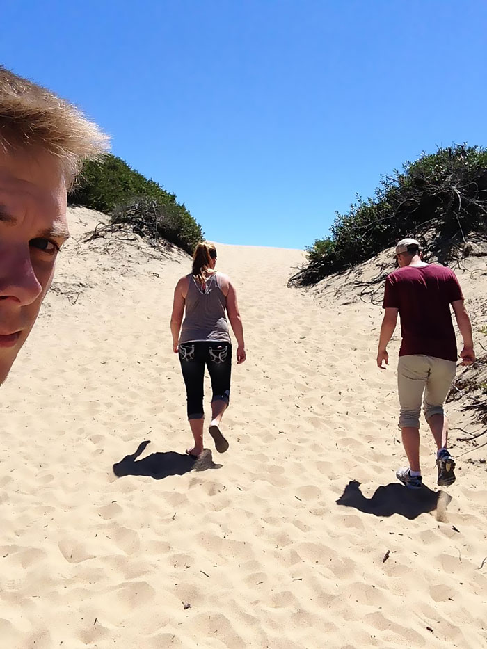 selfies-sujetavelas-pareja-earthyhillgivens (3)