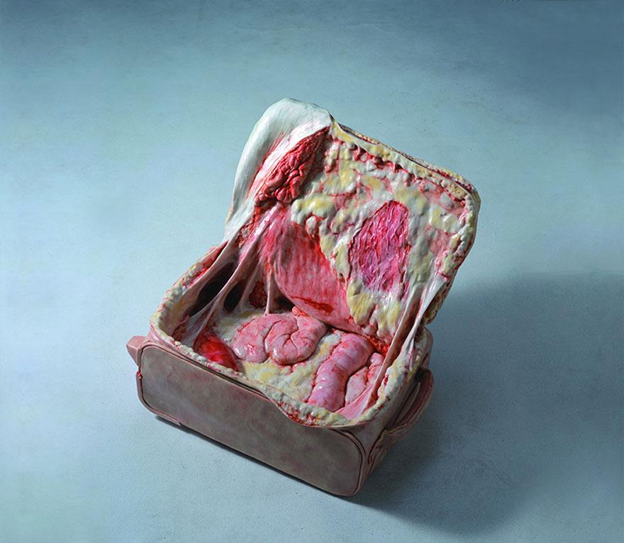 esculturas-hiper-realistas-objetos-visceras-cao-hui (1)