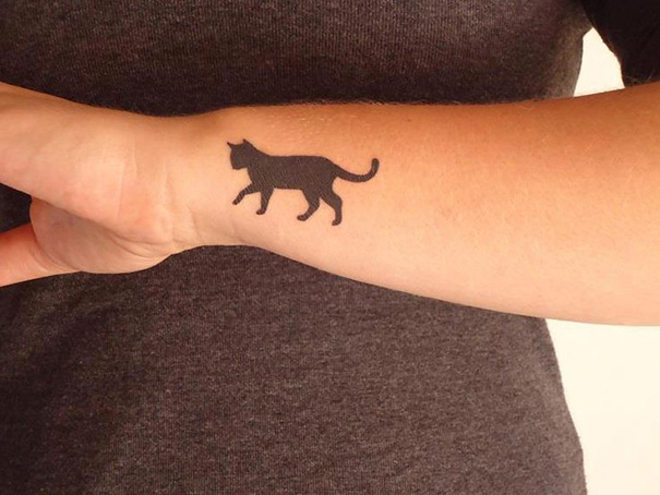 tatuajes-minimalistas-gatos (11)
