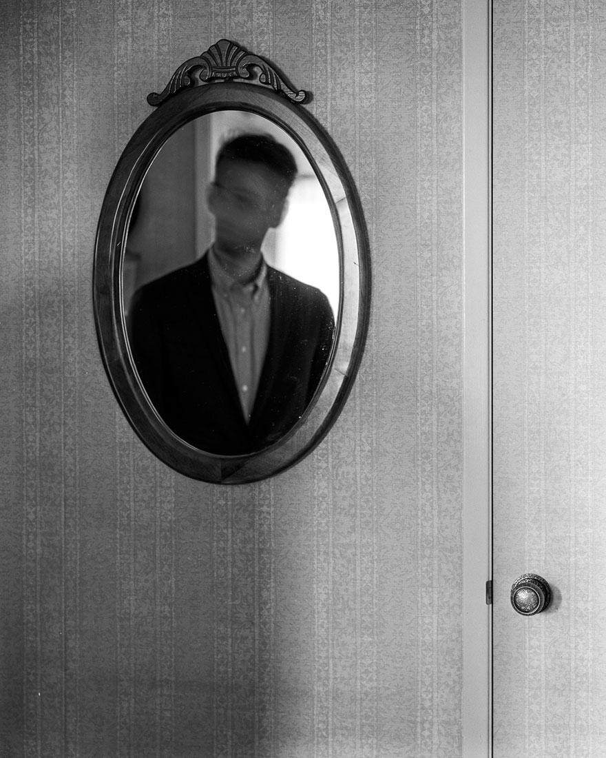 autorretratos-depresion-edward-honaker (3)