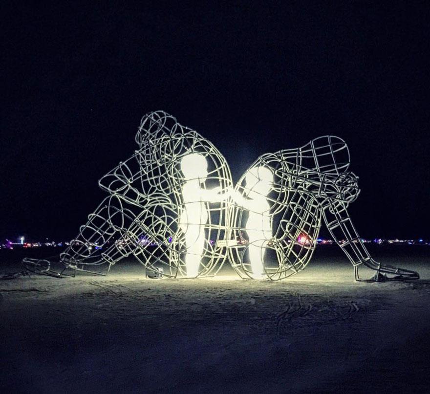 escultura-amor-ucrania-aleksandr-milov-burning-man-festival (3)