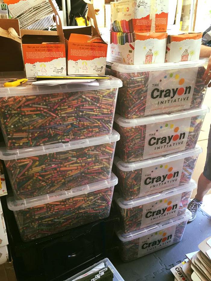 iniciativa-crayon-reciclaje-ceras-colores-hospitales-bryan-ware (1)