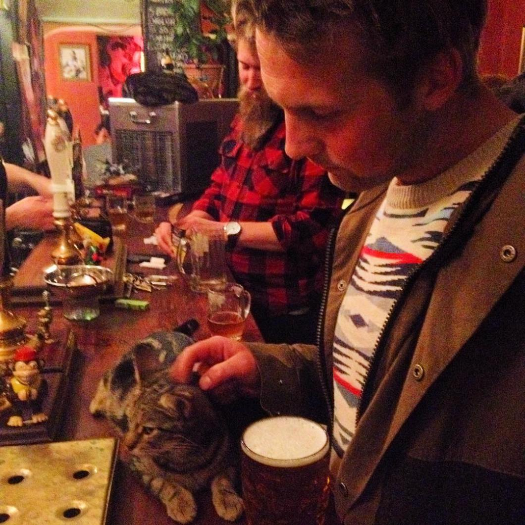bar-gatos-pub-bag-of-nails-bristol (7)