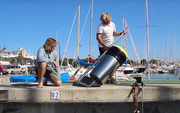 cubo-basura-flotante-limpiar-oceanos-seabin-australia (2)