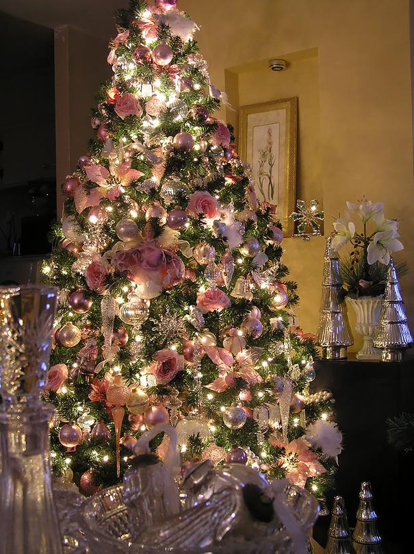 ideas-decoracion-arbol-navidad-flores (12)